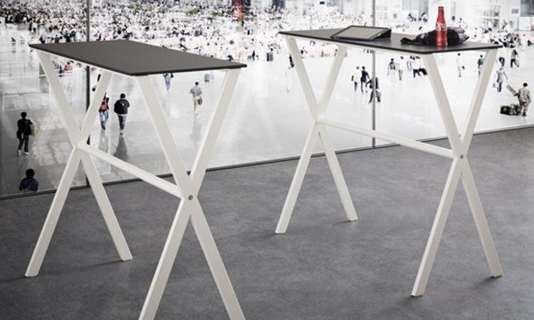 ICS, tavolo alto per l'arredo di ambienti interni ed esterni