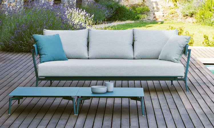 Aikana, divano due, tre posti per ambienti esterni