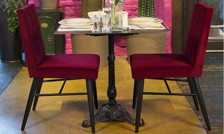 Magenta, sedia ristorante per ambienti interni