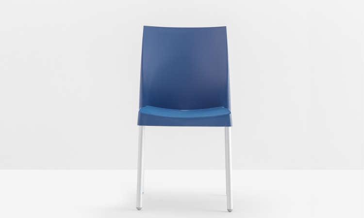 Ice, sedia impilabile per l'arredo indoor e outdoor