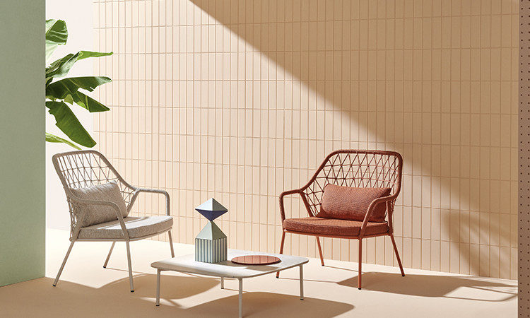 Panarea, poltrona lounge per l'arredo indoor e outdoor