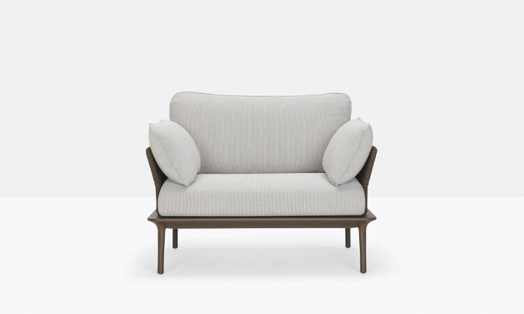 Reva, poltrona lounge per l'arredo indoor e outdoor