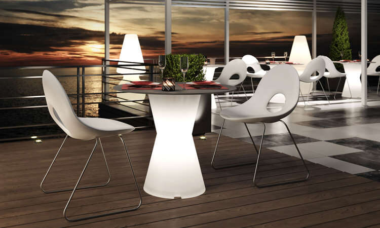 Gamba Dot, tavolo luminoso per l'arredo indoor e outdoor