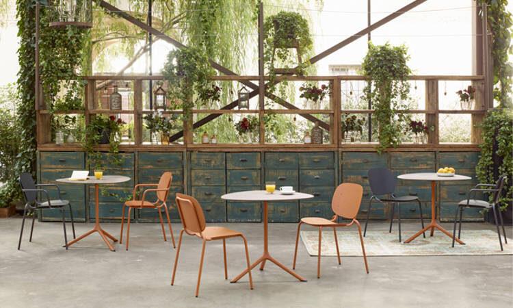 Si-Si, sedia impilabile per uso interno ed esterno