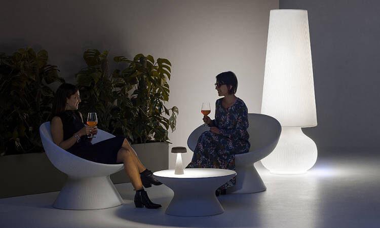 Fade Coffee, tavolo basso con o senza illuminazione